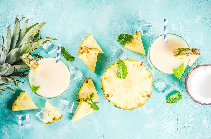 Healthy piña colada smoothie