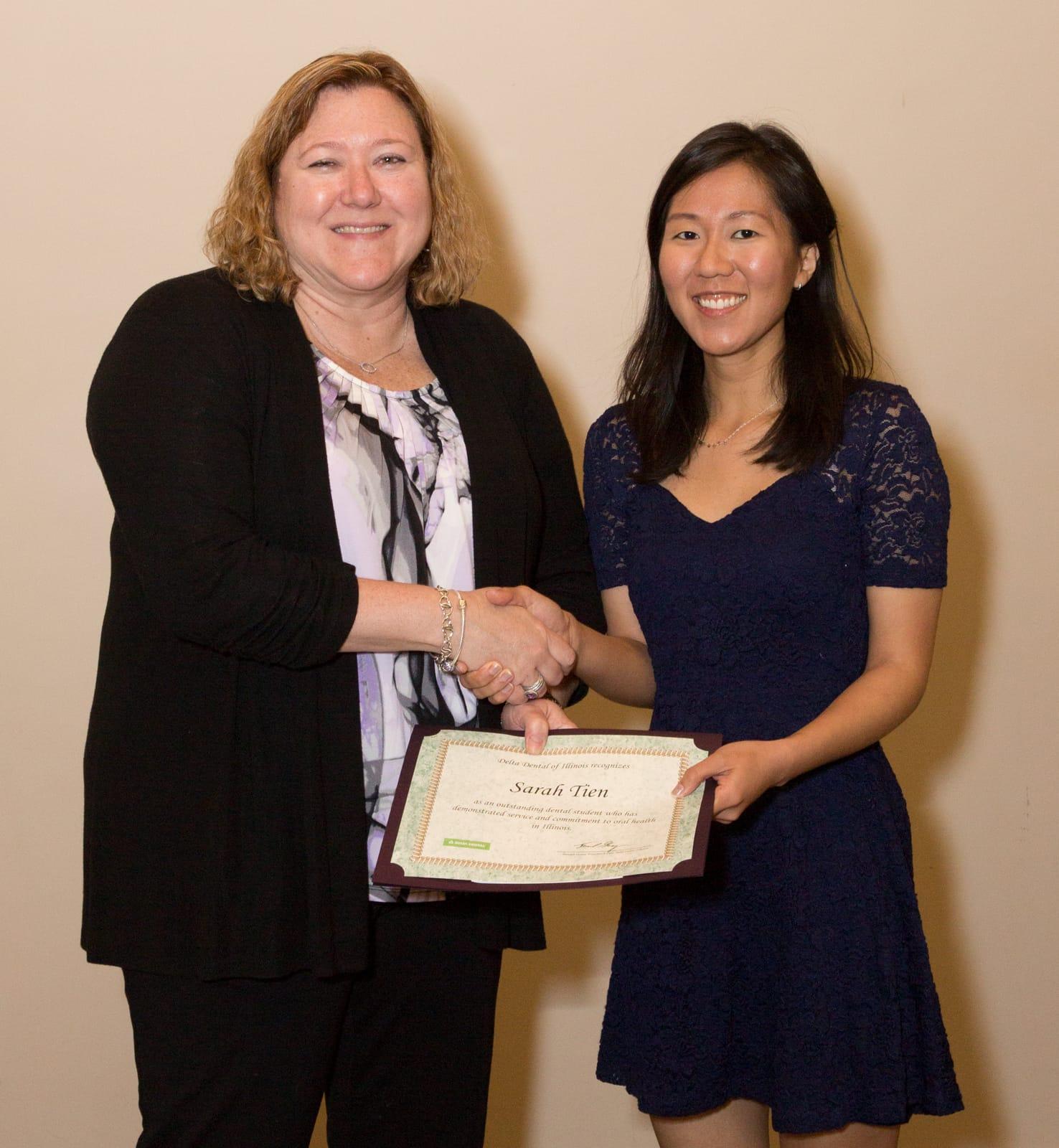 Delta Dental of Illinois Awards Dental Student Grants